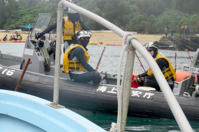 沖縄辺野古船上からの写真09